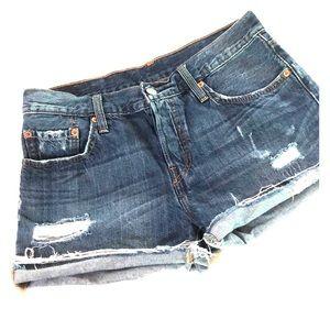 Excellent condition Levi shorts